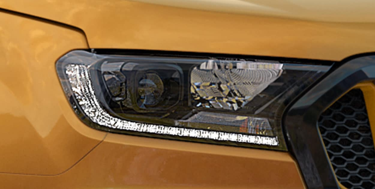 ranger-wildtrak-headlight.jpg